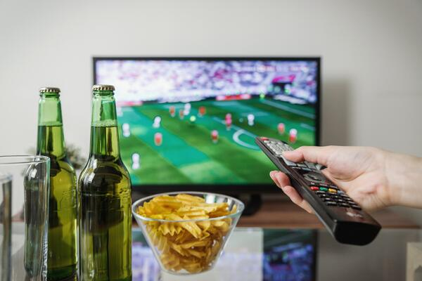 tune-in-sports-TV